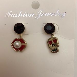 💙2/$15 Skull Lips Fashion Gold Earrings PURPLE